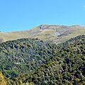 Le Layens (1625 mètres) depuis les prairies d'Issaux