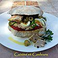 Sandwich tunisien au thon confit à l'huile d'olive maison