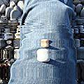 Galets sur jambe en jeans