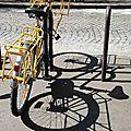 Vélo jaune, ombre_5348