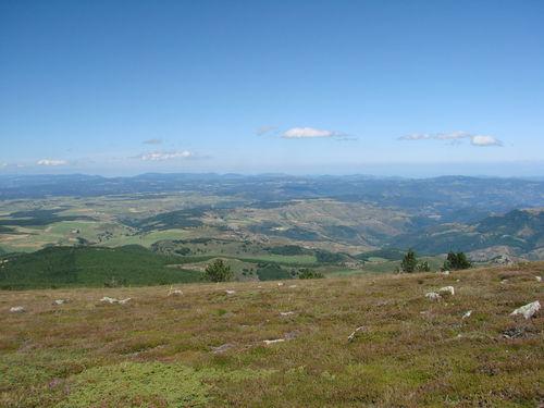 2008 08 21 Paysage vu depuis le sommet du Mont Mézenc (3)