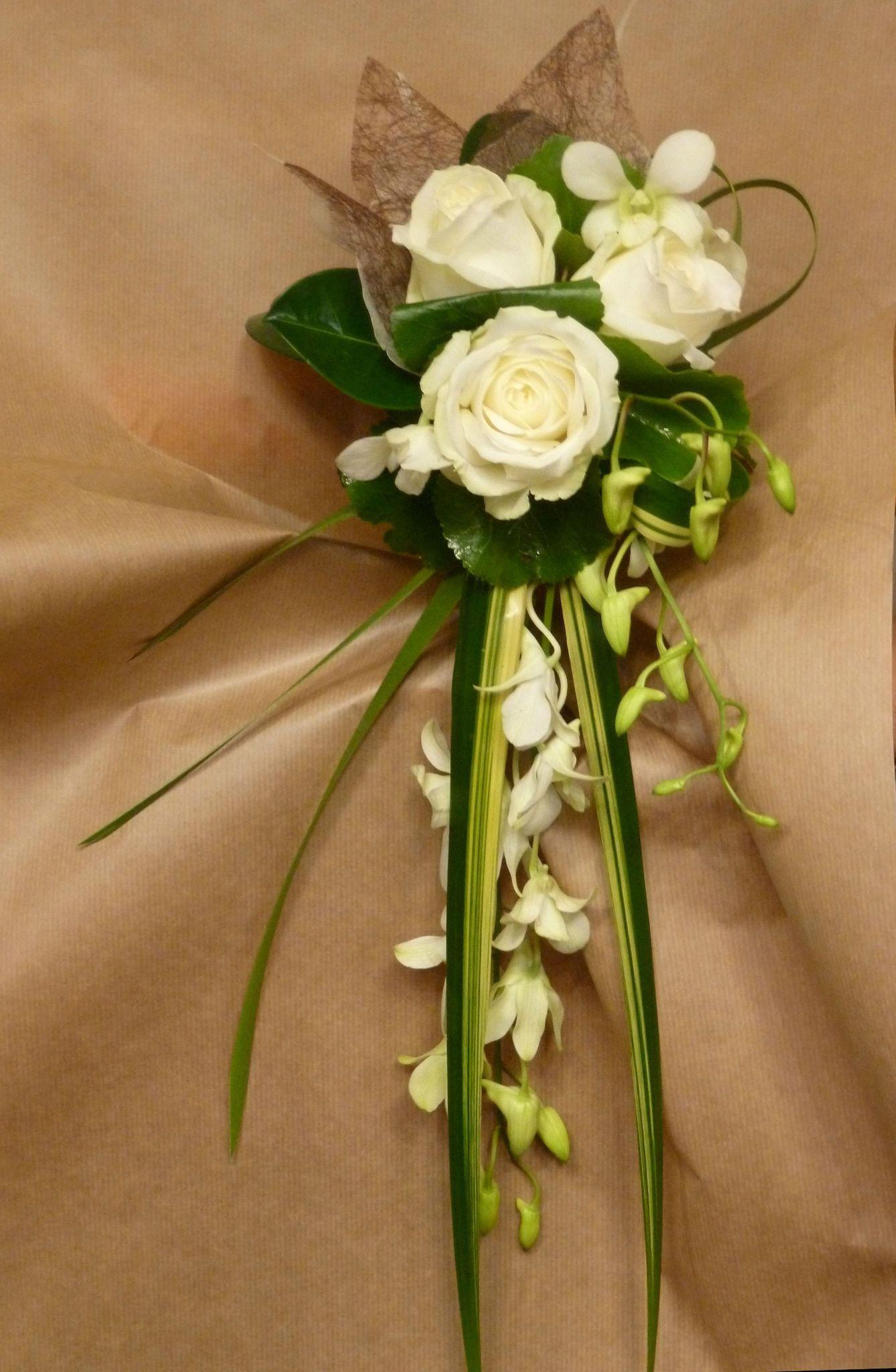 petit bouquet cascade photo de bouquet de mari e potins de fleurs en effervescence. Black Bedroom Furniture Sets. Home Design Ideas