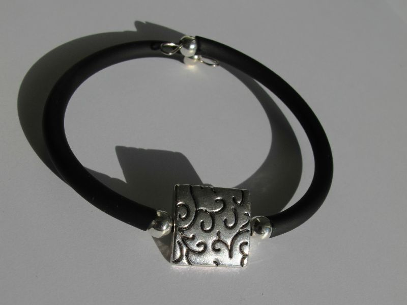 bracelet perle carrée