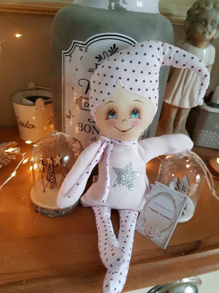 la petite poupée Rose