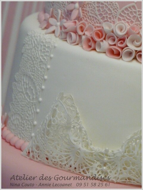 wedding cakeblanc et rose Nina Couto