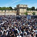 Mort du policier <b>Eric</b> Masson : une foule immense lui rend hommage devant le commissariat d'Avignon