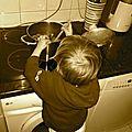 Mais que fait Ben dans la <b>cuisine</b>?