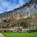 Le buoux : les falaises mythiques et le fort