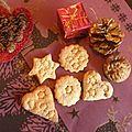 Biscuits de noël - episode 4 : sablés figue séchée, cannelle et amandes