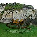 Foulques Nerra fait une Trève avec Gelduin le Danois, chef <b>viking</b> à la solde du comte de Blois et construit un château