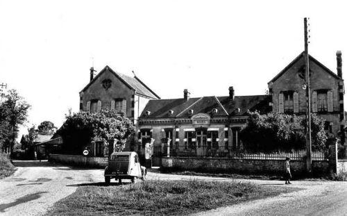 La mairie et les écoles - années 1950
