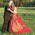 Superbe robe de mariée rouge avec grand bracelet mariage