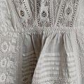 15.306 Magnifique longue robe de bapteme <b>ancienne</b>- <b>dentelle</b>