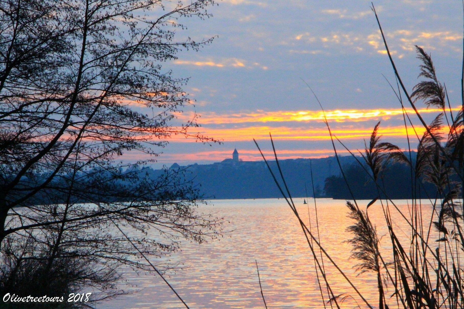Un coucher de soleil hivernal / A winter sunset