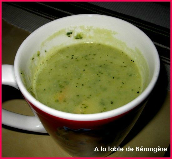 soupe de courgettes weight watchers a la table de b rang re. Black Bedroom Furniture Sets. Home Design Ideas