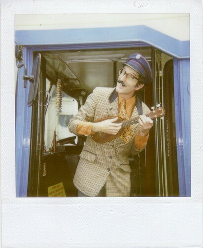 Arnold the english busdriver and magician