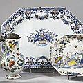 Rouen. plat ovale à pans coupés & 2 pots à cidre couvert balustre. 18ème siècle