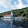 TAHA'A (Île Vanille) 17 - Eglise près plage Joe Dassin