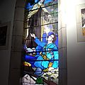 Un vitrail d'Olivier Fernoy, à la mémoire de J.Cornet.