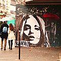 Art de rue ... et parapluies