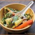 Curry jaune de poulet aux légumes