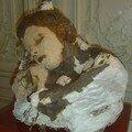 Le sommeil env. 1890/1894. Terre cuite, cire, plâtre, papie journal, clous) (Par Auguste Rodin)