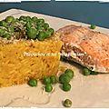 Risotto de saumon aux petits pois et au pesto de basilic
