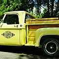 <b>V8</b> <b>Brothers</b>' Summer Meeting #5 - Yellow Express Dodge Truck