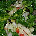 Salade hivernale chou rave, pomme, épinards
