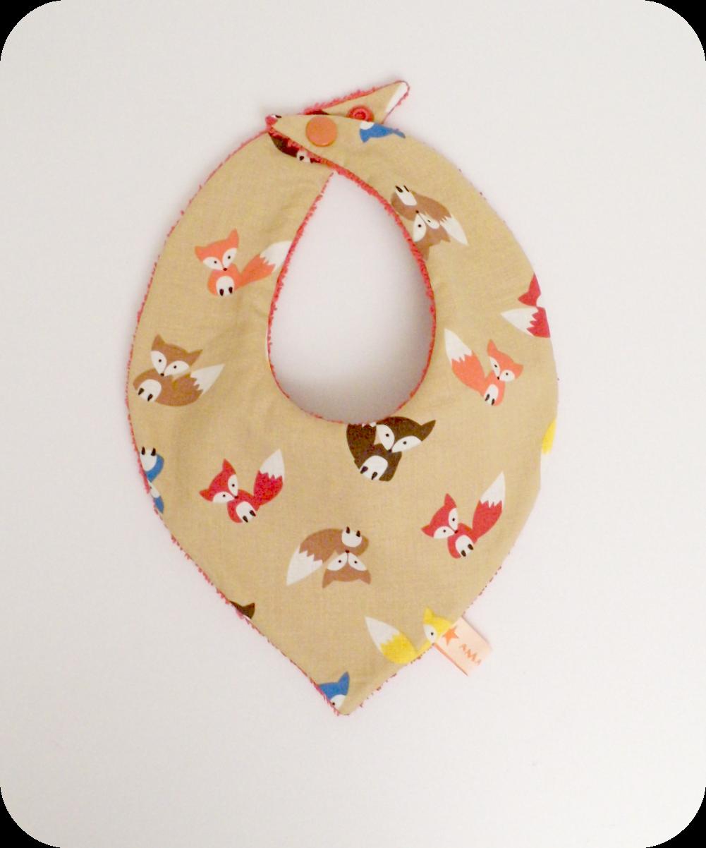 Bavoir bandana beige imprimé petits renards multicolores