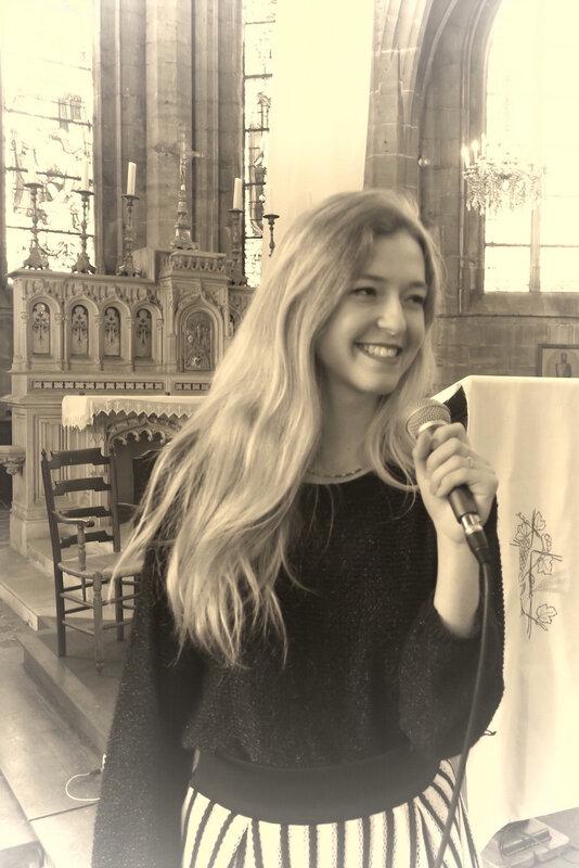 chanteuse professionnelle et pianiste •musique d'église, chant religieux, chrétien, messe de mariage gospel •Deauville Vire Hérouville Saint Clair, Caen Honfleur Bayeux