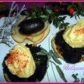 Tartelettes aux boudins Antillais noirs aux pommes couronnées d'<b>îles</b> <b>flottantes</b>