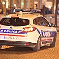 Paris : un tireur <b>déguisé</b> en femme fait feu en pleine rue