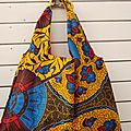 Tote bag wax, tissu africain wax, porté épaule, doublé de voile de coton bleu marine ; <b>sac</b> de plage ou <b>sac</b> <b>shopping</b>
