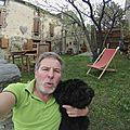 selfie de L'NANOUCK et son maitre Jacques à coté de PERPIGNAN