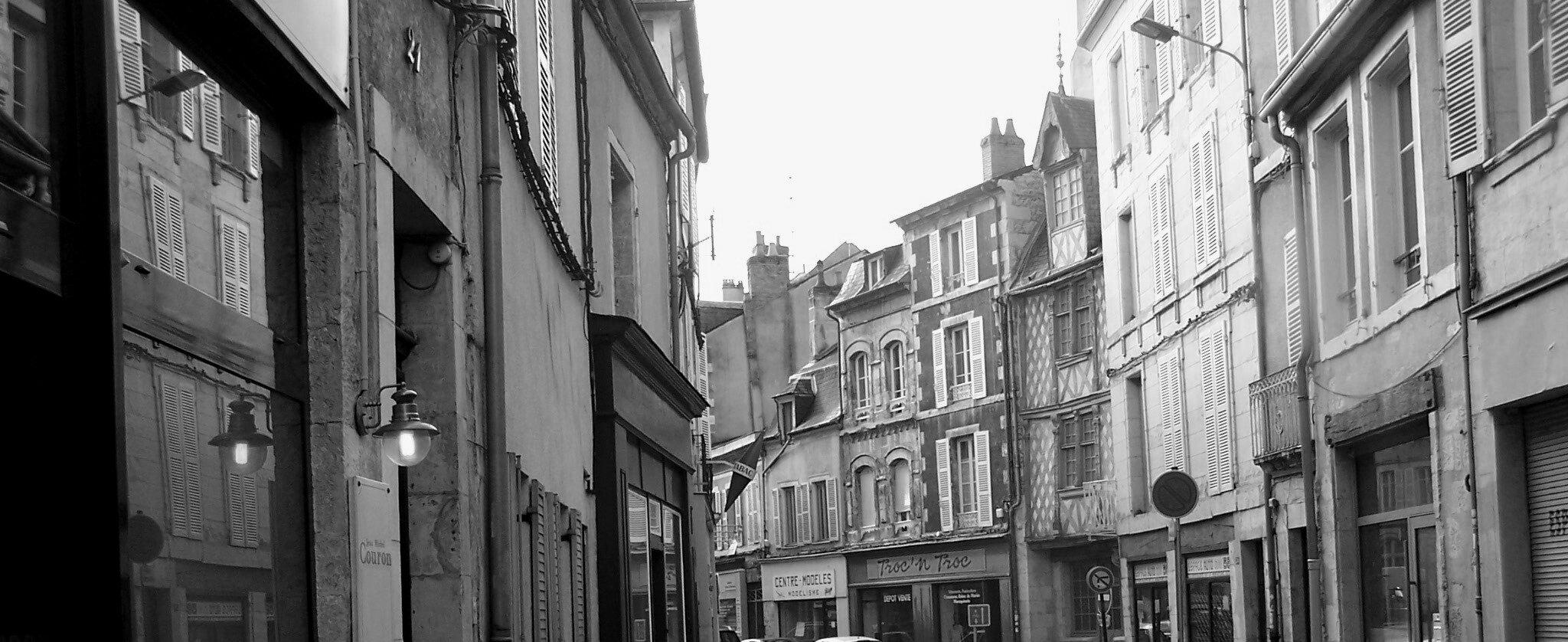 rue st etienne retour vers le commissariat - Copie - Copie