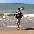 Gros plan: Le sonneur de <b>cornemuse</b> de la Tranche-sur-mer