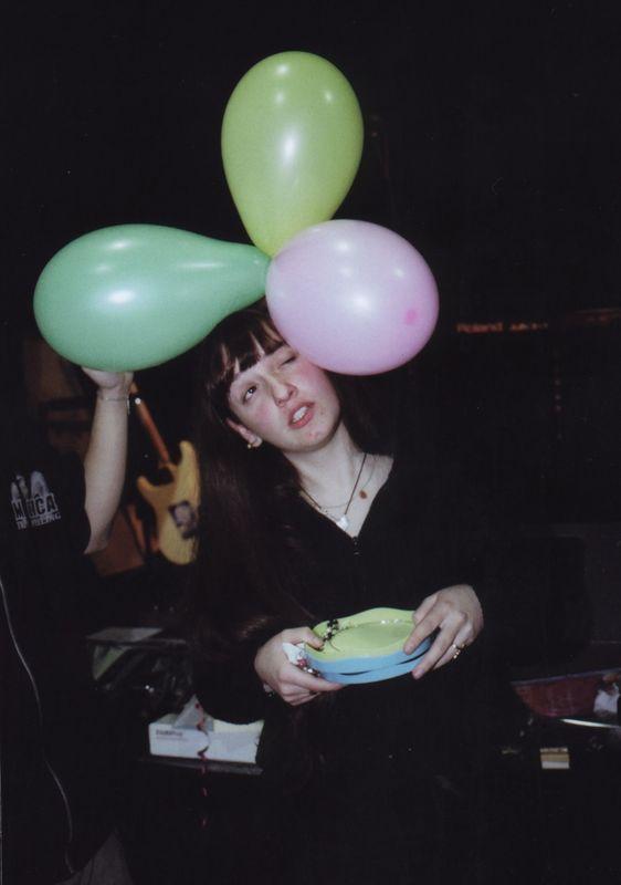 Noémie ballons après Noémie et les crayons ;-) !