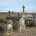 Bournezeau (85) – Tombes de la famille de Béjarry au cimetière de Saint-Vincent-Puymaufrais