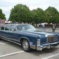 Lincoln continental limousine 1976