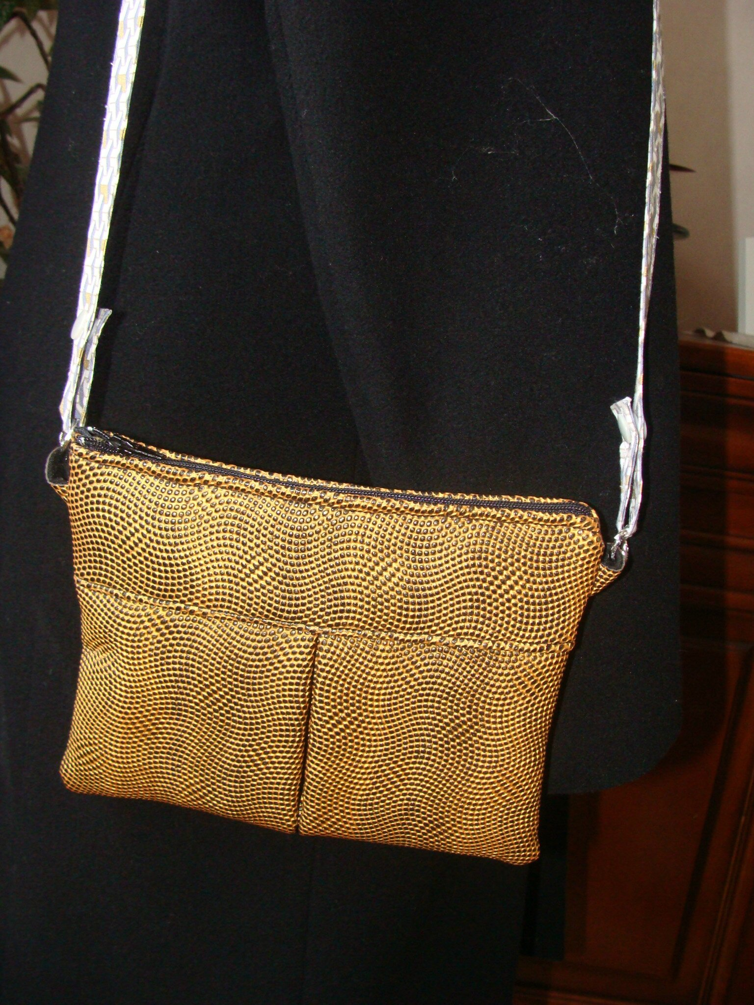 pochette moutarde