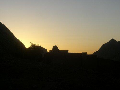 Coucher de soleil sur le monastere de Saint Catherine
