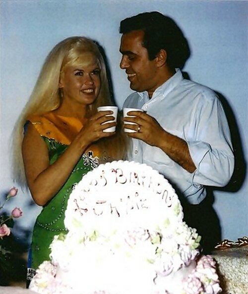 jayne-1965-04-19-birthday-with_matt_cimber