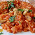 Riz a la tomate et aux cacahuetes.
