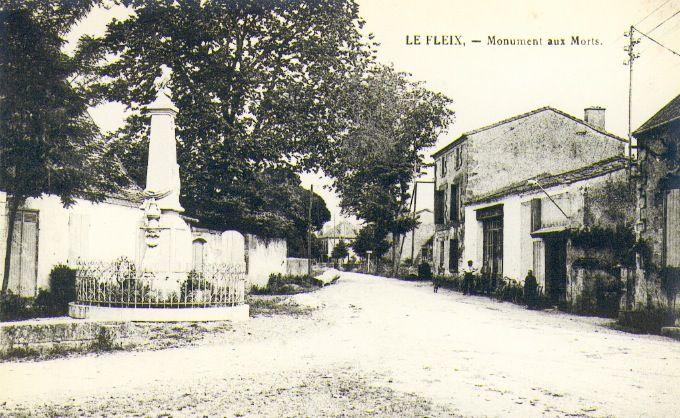Ancien emplacement Monuments aux Morts