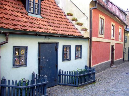 La ruelle d'or, près du château