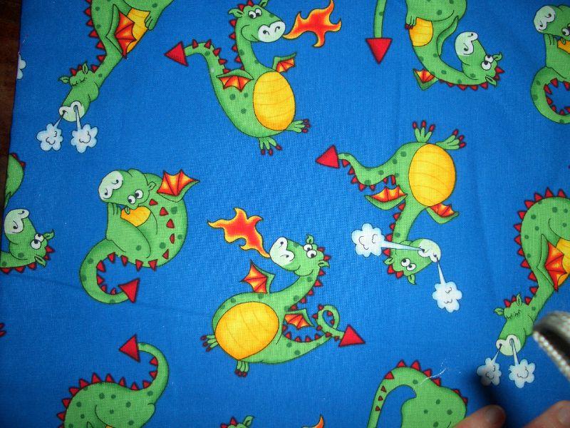 Dragon fond bleu