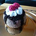 gâteau à la cerise et son coulis de chocolat