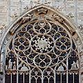 08 - MILAN Duomo - fenetre avec le soleil rayonnant emblème des Visconti - wikimedia