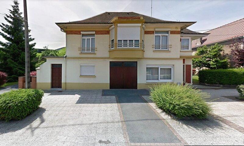 AVESNES-43 Rue des Prés